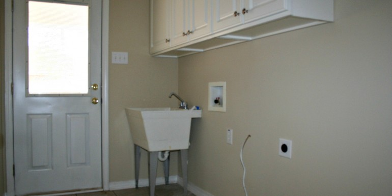 1316 Summerchase Ct Mobile AL 36695 Inside Laundry Room