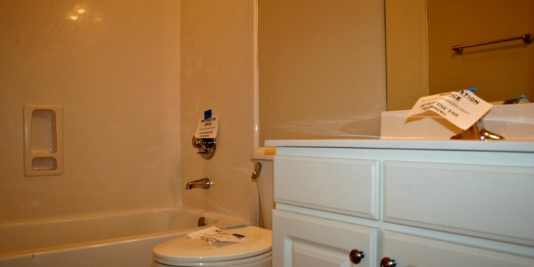 1316 Summerchase Ct Mobile AL 36695 Second Bathroom