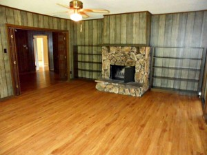 Foreclosure homes for sale with 2 living areas