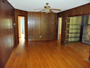 Foreclosure homes for sale with dining area