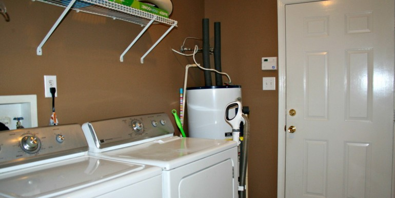 9670 Bellingrath Rd Theodore AL 36582 Laundry Room