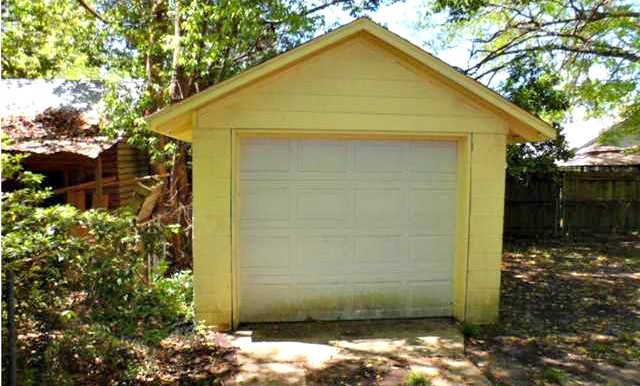 164 Williams St Mobile AL 36606 Garage
