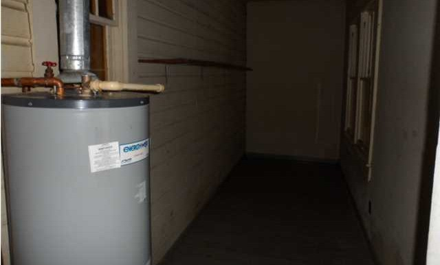164 Williams St Mobile AL 36606 Water Heater