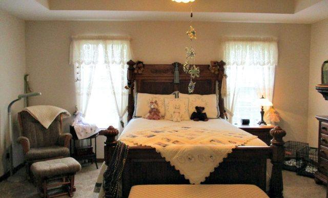 1700 Ashmoor Dr E Mobile AL 36695 Master Bedroom Tray Ceiling