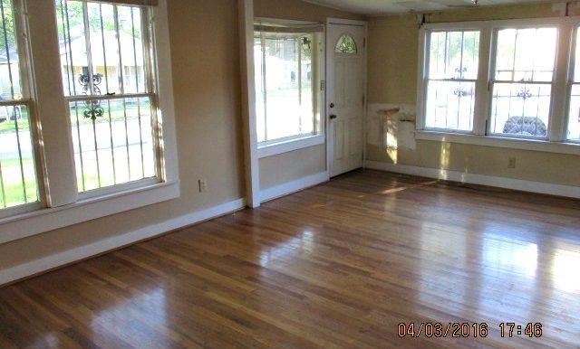 2107 Costarides St Mobile AL 36617 Living Room