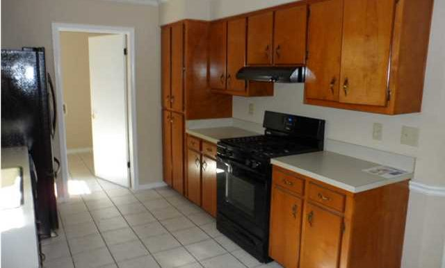 6432 Trent Ln Mobile AL 36695 Kitchen 2