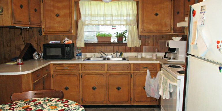 7841 Pete Dr Mobile AL 36695 Kitchen
