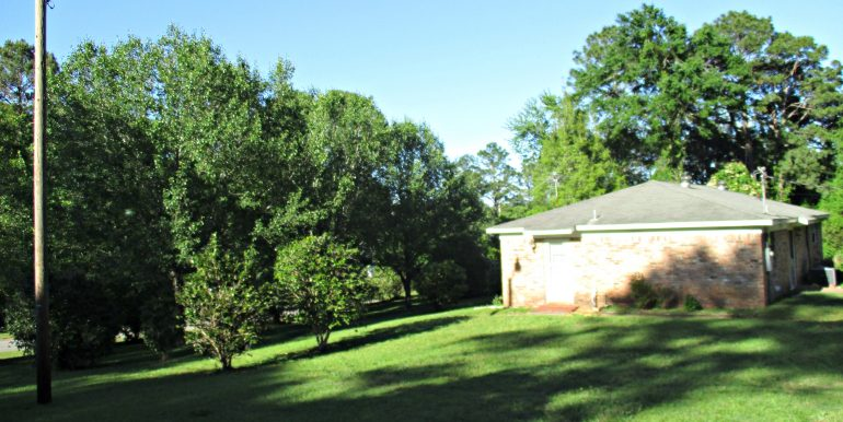 7841 Pete Dr Mobile AL 36695 Mature Landscaping
