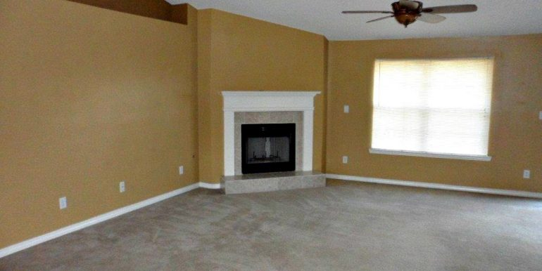 9629 Saddlebrook Dr N Mobile AL 36695 Living Room