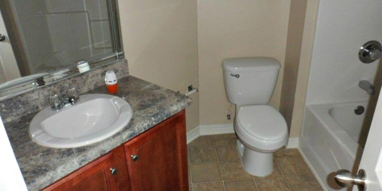 9629 Saddlebrook Dr N Mobile AL 36695 Second Bathroom