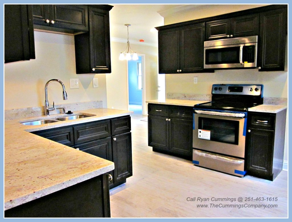Midtown Mobile AL home for sale with Updated Kitchen