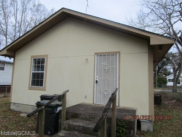 832 Critterion St  Prichard, AL  36610